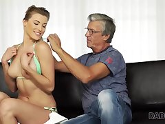 Cutie arrival hot give wet swimsuit so why old man wants her