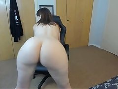 blistering stepmom twerking and spreading ass on webcam