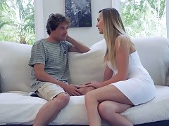 Sex-starved housewife Brett Rossi seduces 19 yo delivery urchin and rides his cock