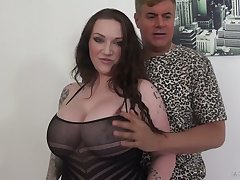 Ample breasted milf Harmony Reigns is having perverted sex with her way-out lover
