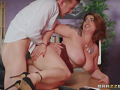Chubby woman fucked at the office by the new guy