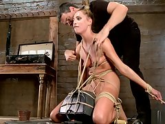 Tied peaches slave is made trip Sybian