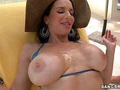 Evilyn Fierce And Veronica Avluv threesome sex