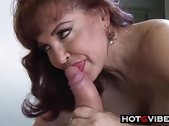 Mature milf in erotic, swart stockings got her daily dose be fitting of fuck, non-native the back