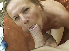Hungarian mature is sucking a rock hard dick in the forest and getting level with medial her pussy