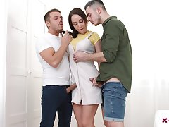 Natali Rose-red gets messy facial after triumvirate carnal knowledge anent her stepbrother and his fellow
