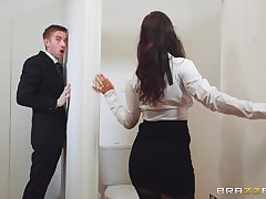 Young man gets lucky with respect to a munificence woman during a glory hole tryout