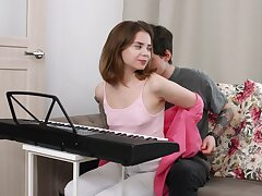 Sweet Russian girlfriend Bella Gray gets fucked apropos her tight ass